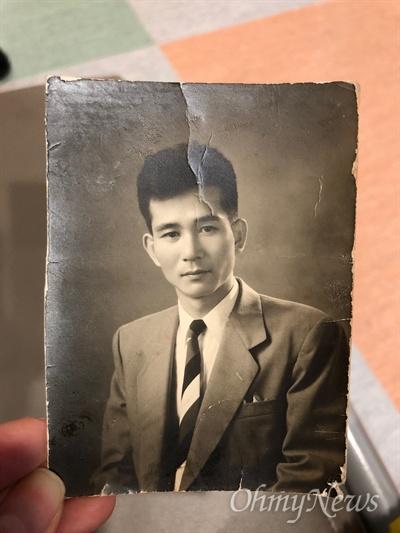 독립운동을 인정 받아 이번 15일 제73주년 광복절 행사에서 건국훈장 애족장을 받는 고 손용우 선생 사진. 사진은 그의 딸 손혜원 더불어민주당 의원이 제공했다.