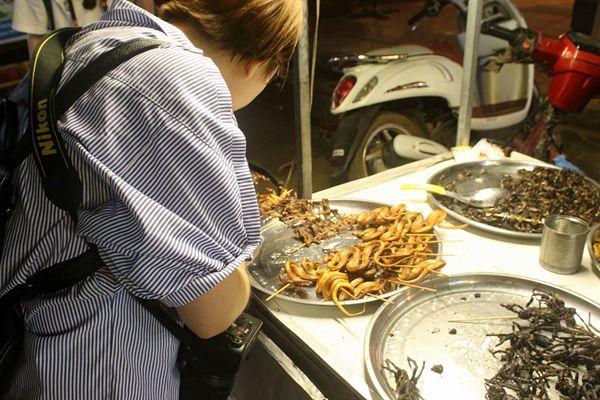 캄보디아 씨엠렛 펌 스트리트 거리 포장마차 포유류 판매