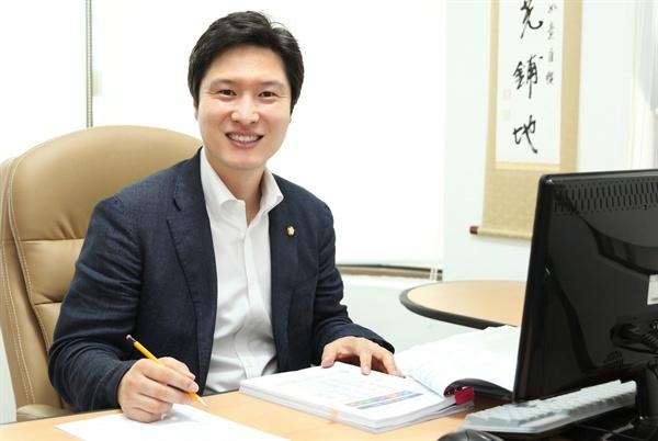 더불어민주당 김해영 국회의원(부산연제).
