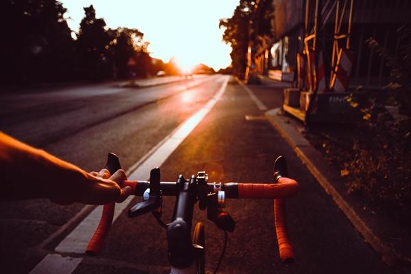 정말 300km에 가까운 제주도 자전거 일주를 무사히 마칠 수 있을까 하는 의구심이 들었다. 몸도 마음도 더 지칠 거 같은 불안감이 엄습해 왔다.