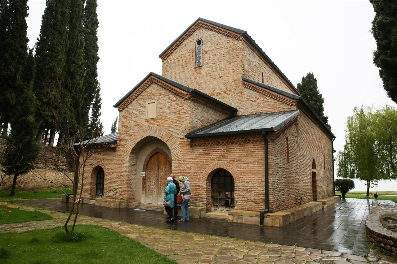 보드베 수도원, 게오르기 성당 니노의 무덤 위에 세워진 게오르기 성당, 19세기에 복원되었다.