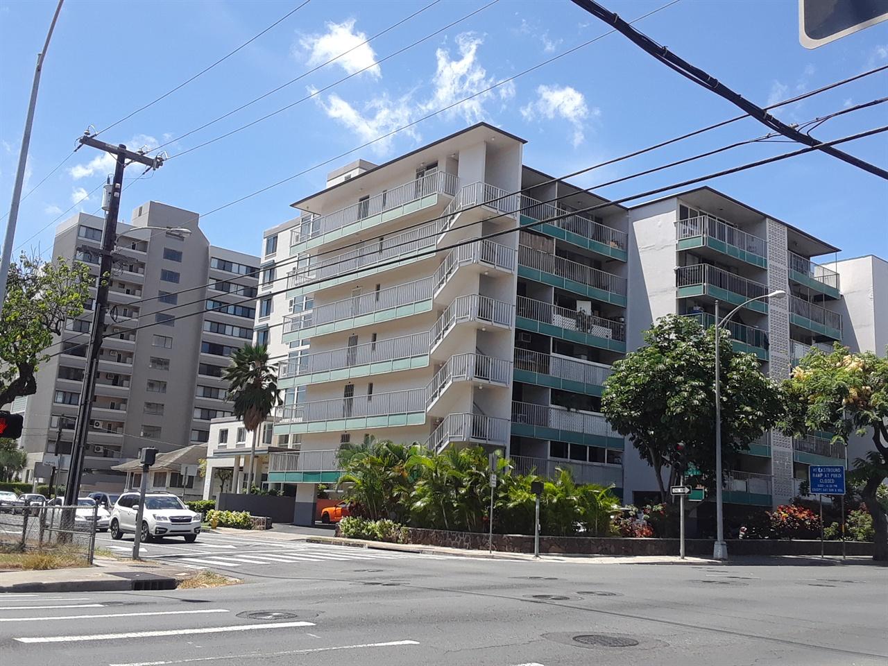하와이 도심에 자리한 대형 주택가 모습. 월평균 3000달러 이상의 임대료를 지불해야 한다.