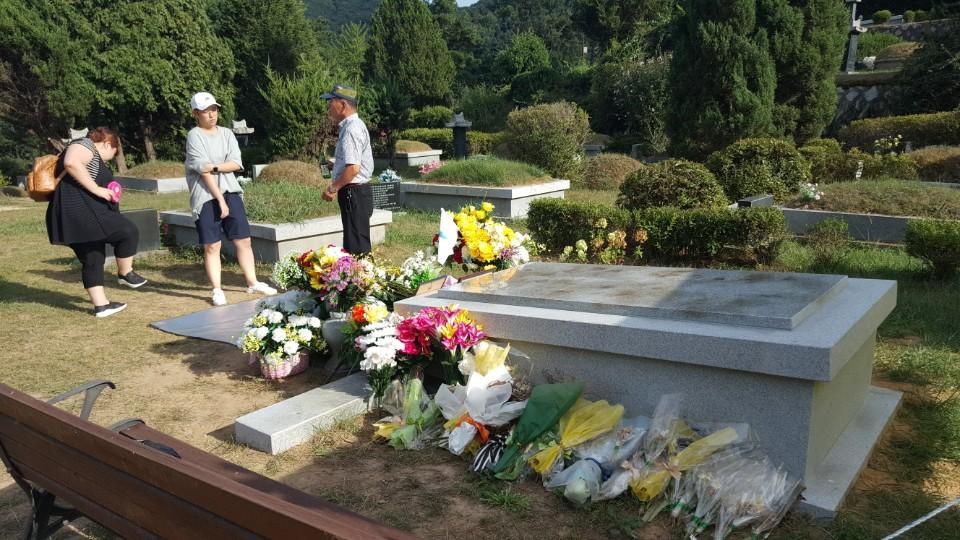 마석 모란공원묘지에는 수많은 민주인사와 노동운동가들이 잠들어 있다.