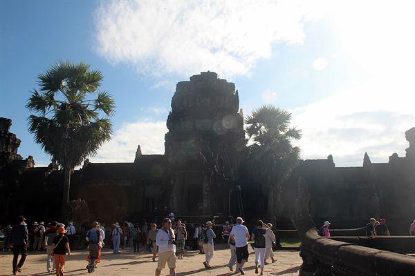 캄보디아 씨엠렛 앙코르와트, 왕이 다닌 왕의 문