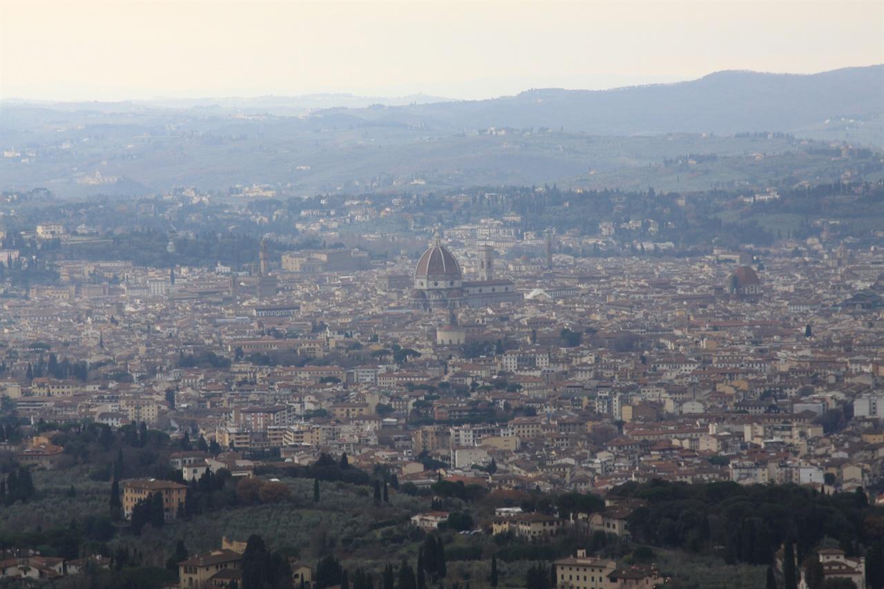 피에졸레 언덕에서 바라본 피렌체 전경   저 아름다운 도시는 어떻게 만들어졌을까?