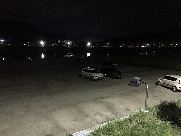 경주 서천둔치에 주차되어 있는 일부 차량들