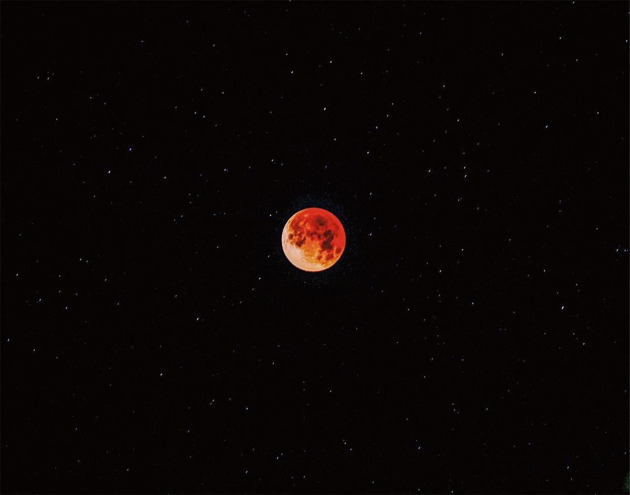 붉은달과 월경 이제 생리가 아닌 월경을 이야기해야 한다.