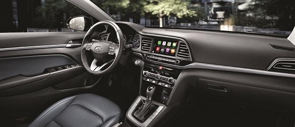오는 9월 6일 출시에 앞서 현대자동차가 공개한 더 뉴 아반떼의 실내 디자인.