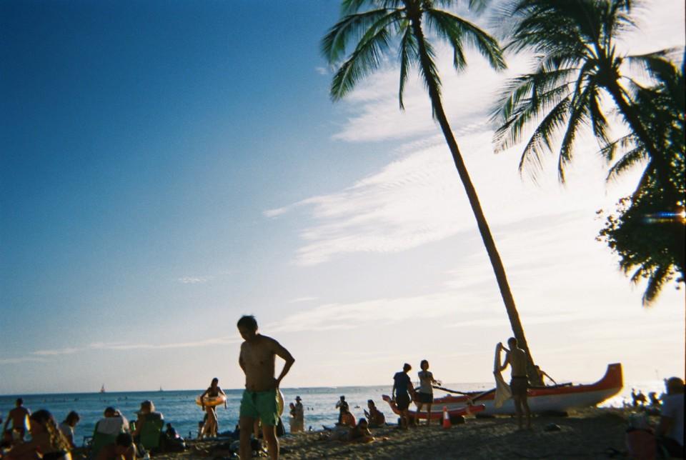 와이키키 해변을 찍은 필름카메라