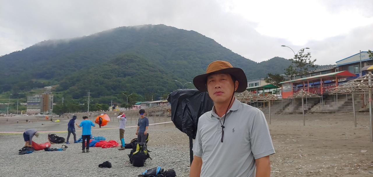 여수시 패러글라이딩협회 정권희 회장의 모습