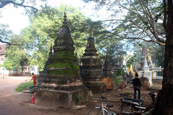앙코르와트 중앙사원앞 불교사찰 입구 모습