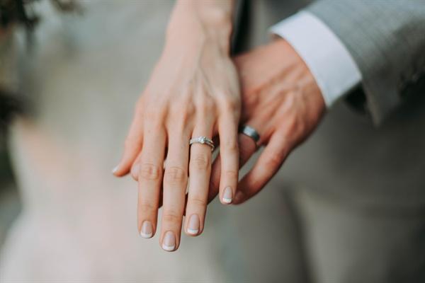 내 인생에서 결혼이라는 여행을 할 기회가 한 번 올 수도 있고, 두 번 올 수도 있고, 아예 오지 않을 수도 있다.