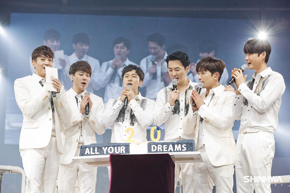 신화는 지난 3월 25일 데뷔 20주년 기념 팬 파티 < SHINWHA TWENTY FANPARTY 'ALL YOUR DREAMS >를 성황리에 끝마쳤다.