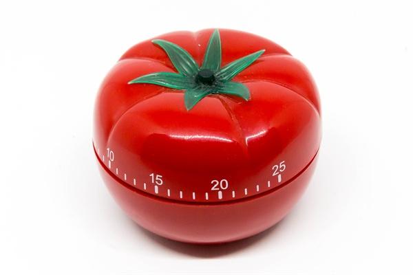 뽀모도로 기법은 1980년대 후반 프란체스코 시릴로가 제안한 시간관리법이다. 타이머를 이용해 25분간 집중해서 일을 한 다음 5분간 휴식하는 방식이다.