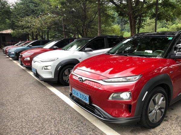 지난 29일 경기도 고양시와 가평시 일대에서 현대자동차의 코나 이브이(EV) 시승행사가 열렸다.