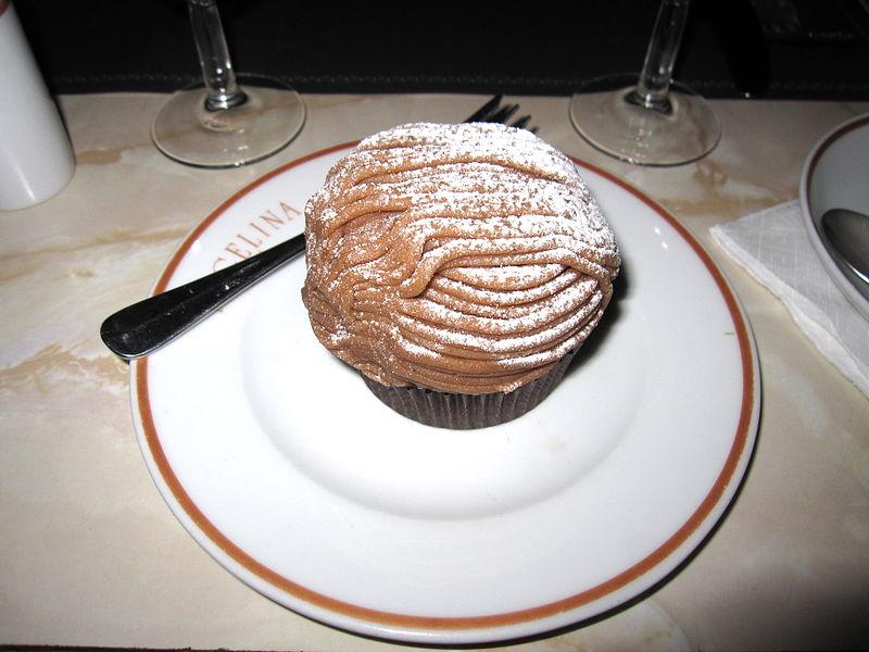 프랑스의 대표적 디저트의 하나인 '몽블랑'