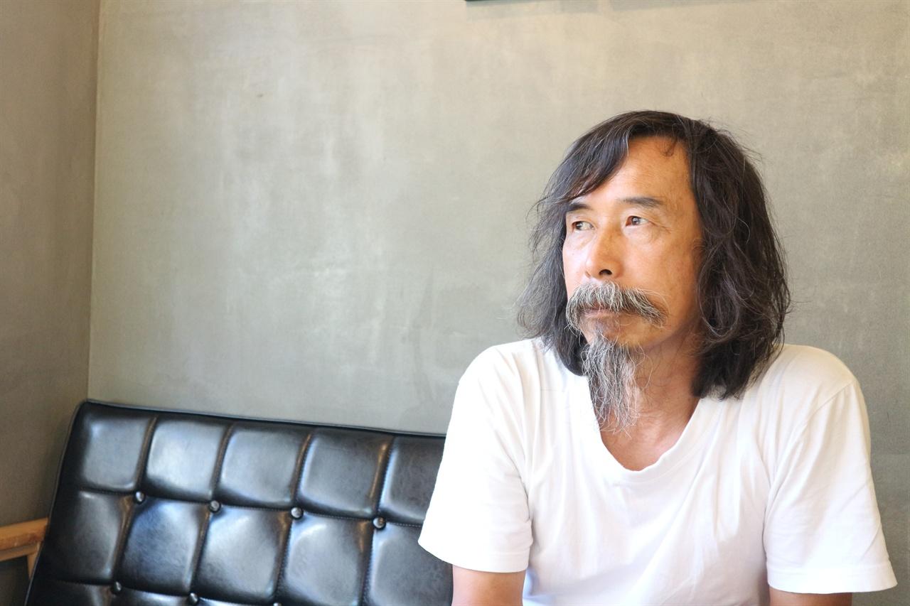 인터뷰 중인 조한정 씨