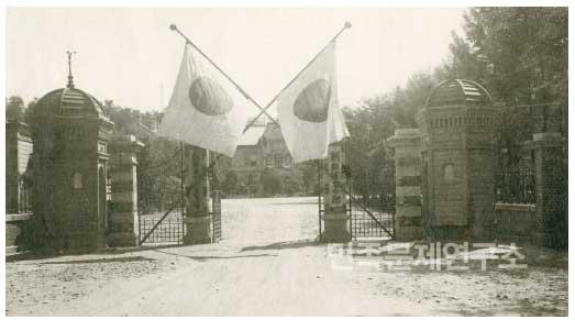 용산에 있던 조선군사령부 청사의 모습