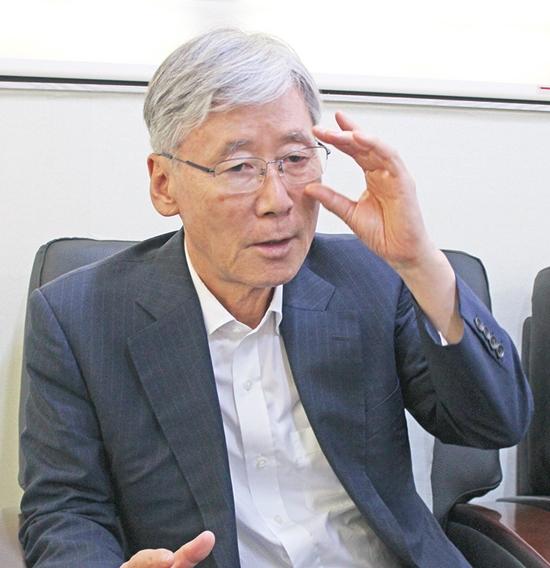 ▲ 여상규 의원이 지난 1일 뉴스사천과의 인터뷰에서 당협 쇄신과 차기 총선 출마 가능성에 대한 입장을 밝혔다.