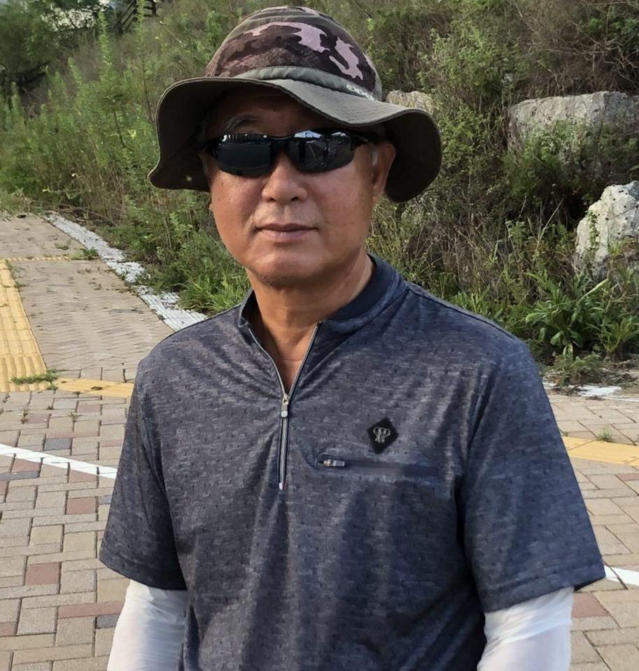 KDI 해고노동자 임학수 씨 8개월이 넘는 시간동안 매일 아침 저녁으로 원직복직을 요구하며 투쟁을 이어가고 있다.