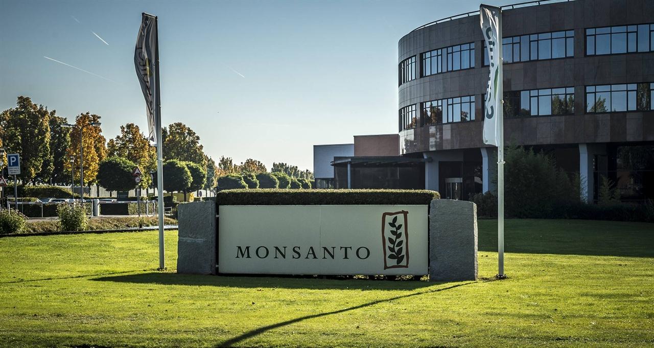 한 조사에 따르면, 몬샌토 주주의 92%가 GMO 라벨링에 반대한다고 한다. 자신이 하는 일을 떳떳하게 공개하지도 못하는 기업은 왜 존재할까?