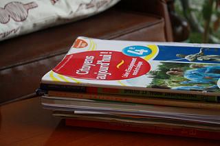 위에 보이는 책은 프랑스 시민교육 교과서의 중학교 3학년용 워크북이다. 제목은 '시민, 오늘'이다. 학생들에게 당신들은 오늘날의 시민이라고 강조한다.
