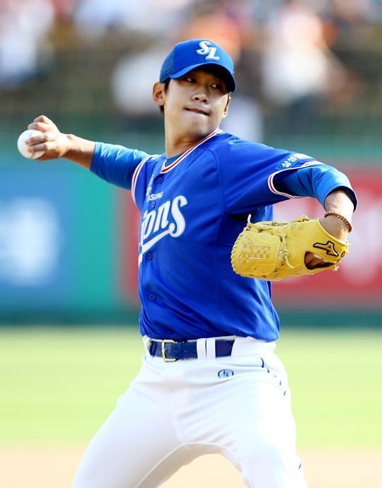5일 마산 NC전에서 6이닝 2실점으로 승리 투수가 된 삼성 윤성환