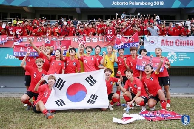 아시안게임 3회 연속 동메달을 획득한 여자축구 국가대표팀