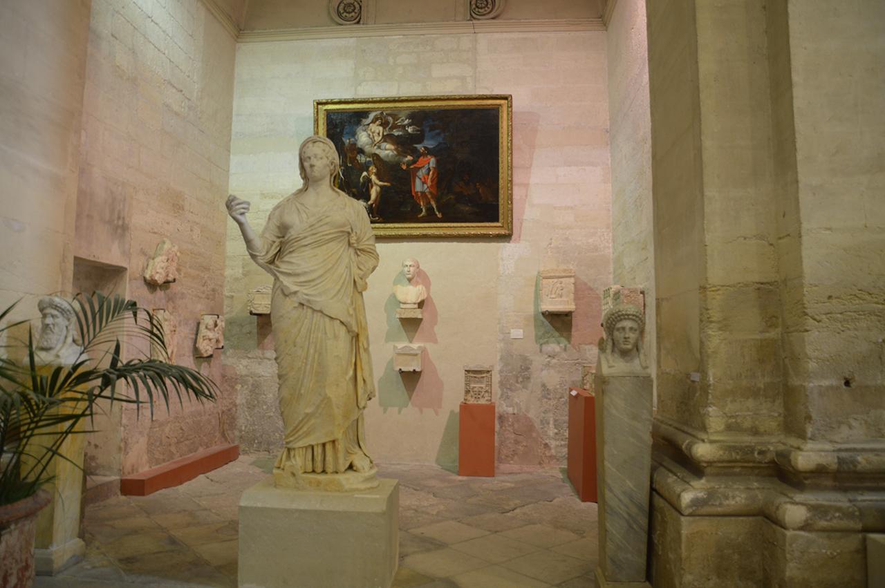 석조 유물의 보고. 라피데르 박물관에는 이집트, 그리스, 로마시대의 석조 유물들이 풍부하다.