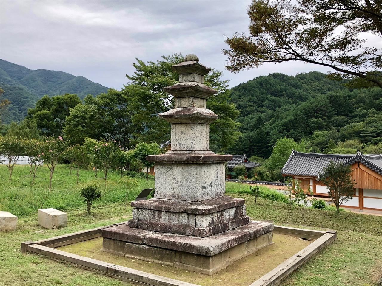 지리산 연곡사 보물 제151호 삼층석탑