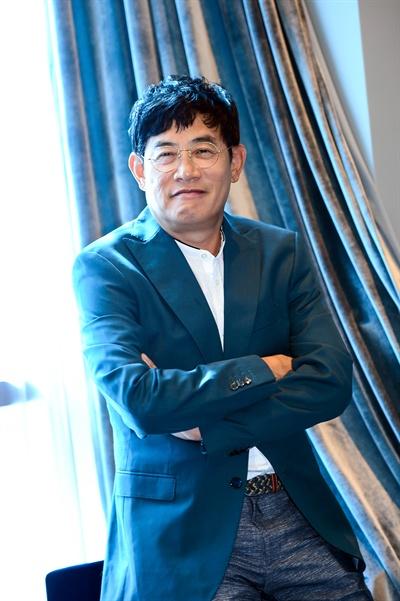 SBS 새 예능프로그램 <폼나게 먹자> 기자간담회에 참석한 이경규.