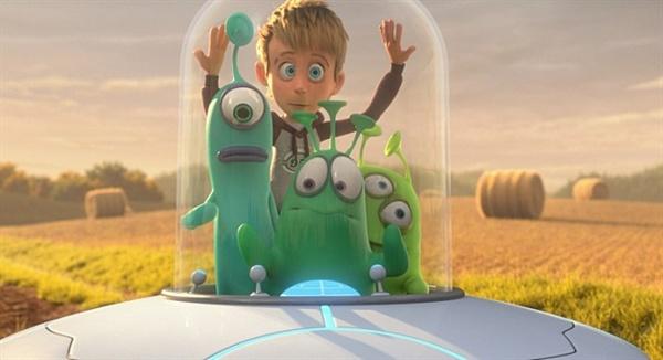 영화 <루이스>에서 루이스는 외계인들과 함께 지구에서 떠나고 싶어한다.