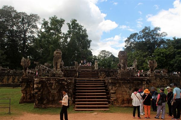 앙코르톰 코끼리테라스 중앙 단상 모습