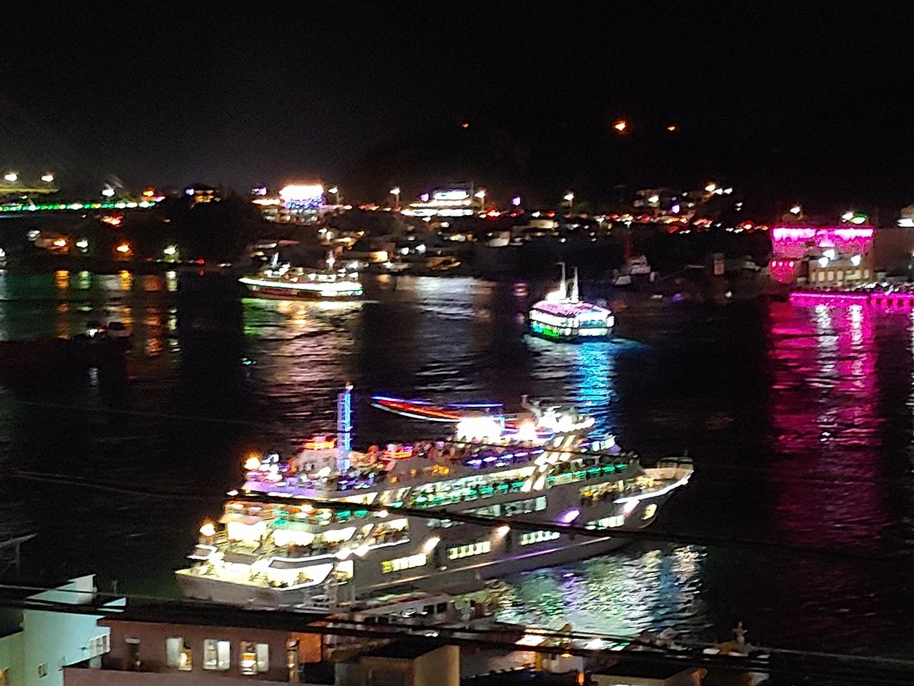 선상 관람하는 여수밤바다 불꽃축제