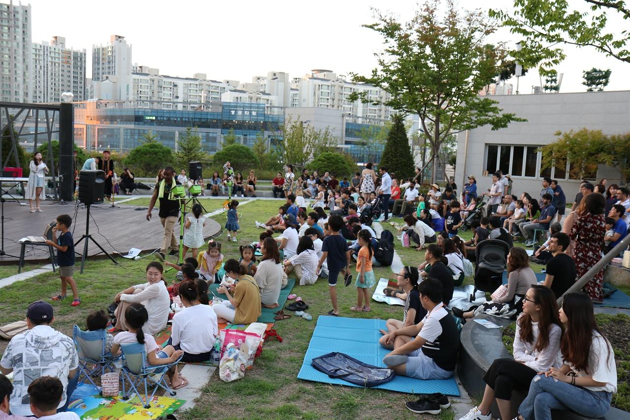 가좌행복문화공원에서는 9월에도 영화제, 북 캠프 등 다양한 행사가 진행될 계획이다.