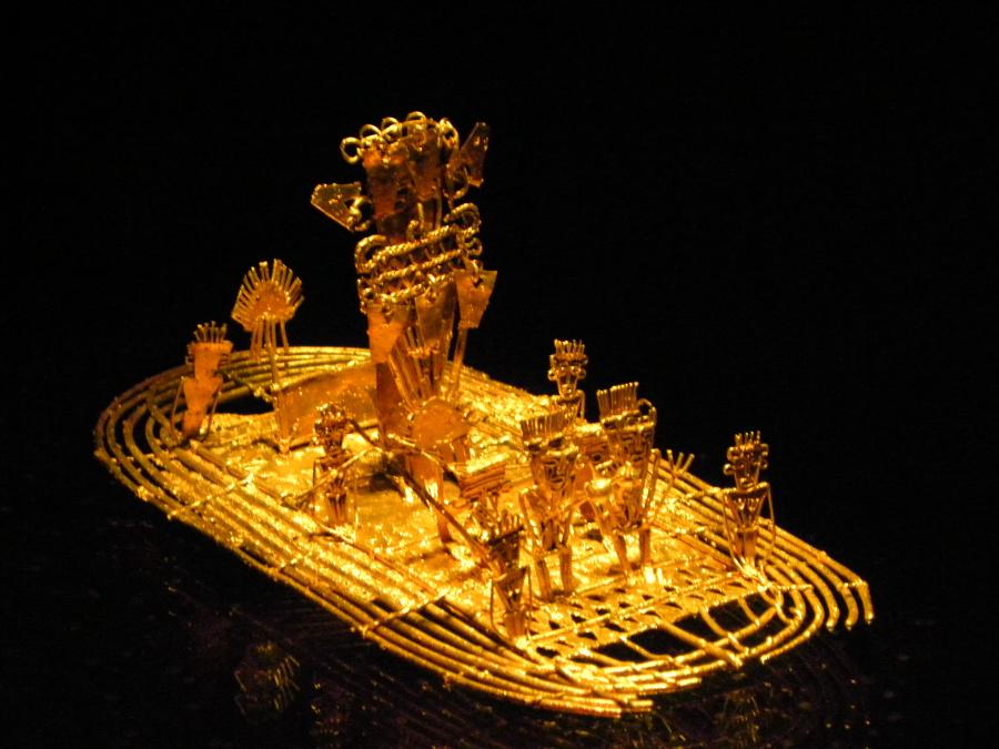 구아타비타 호수의 설화를 연상시키는 황금 유물