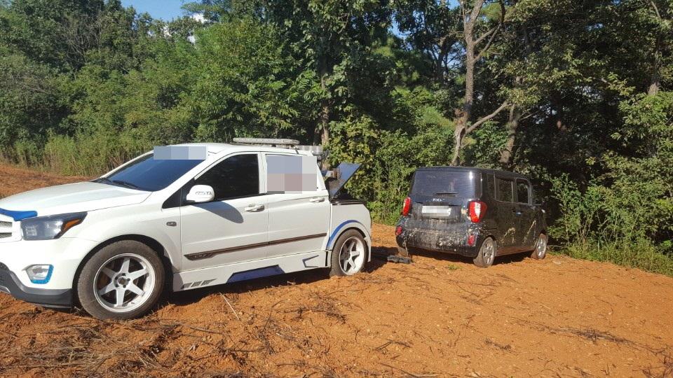 범행에 사용된 차량 피의자는 범행장소에서 약 6km떨어진 송악읍 월곡리 야산으로 도주했다.