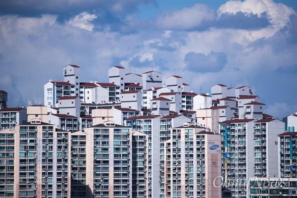 10일 오후 서울 용산구 일대 아파트과 건축물.