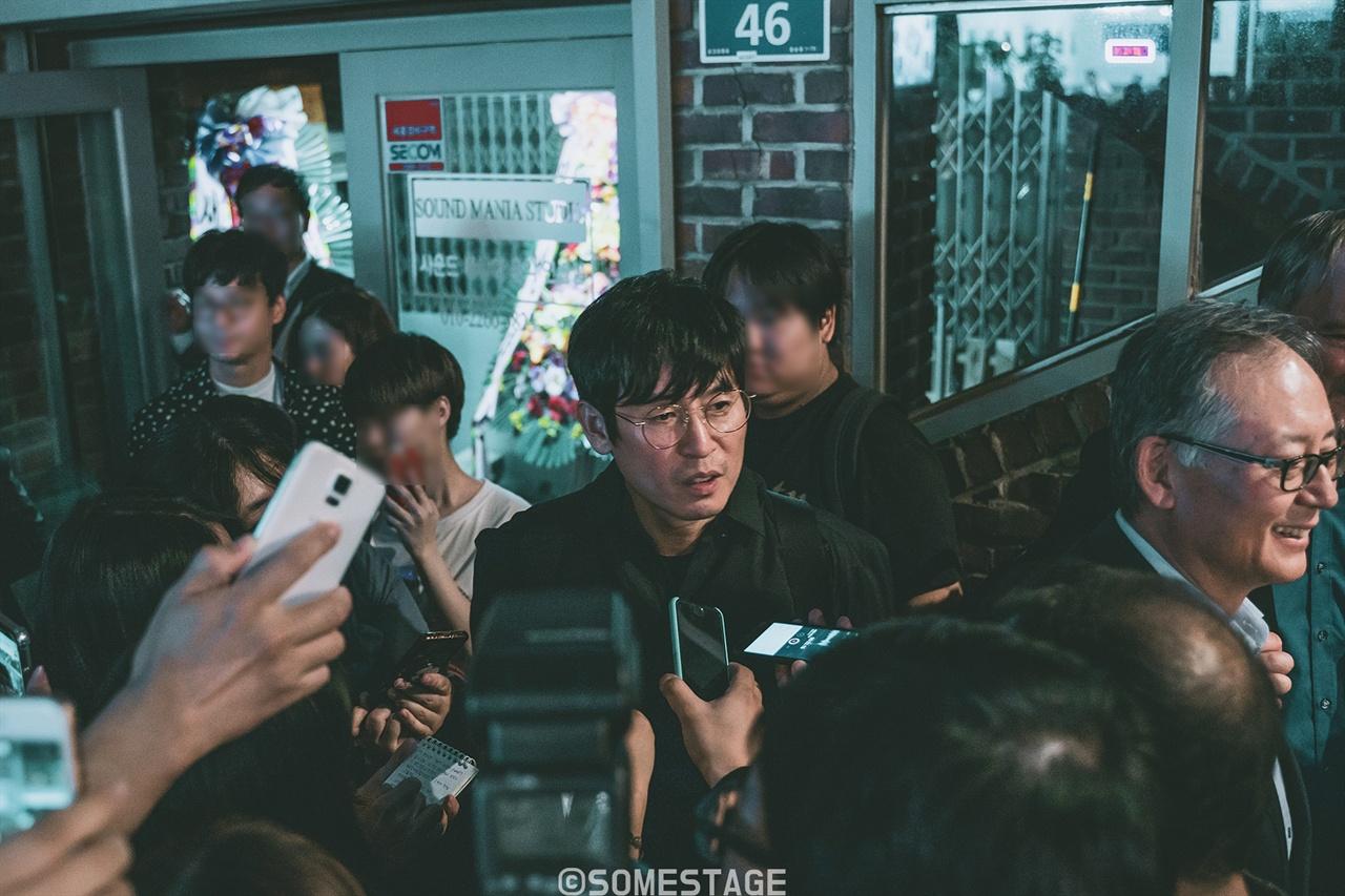 <지하철 1호선> 제막식에 참여한 배우 설경구