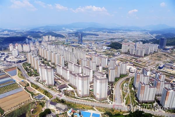 공공기관이 이전된 김천 혁신도시 모습.