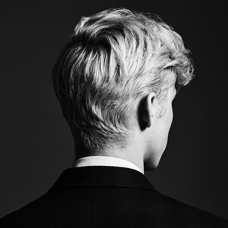 트로이 시반의 두번째 정규 앨범 <Bloom> 커버