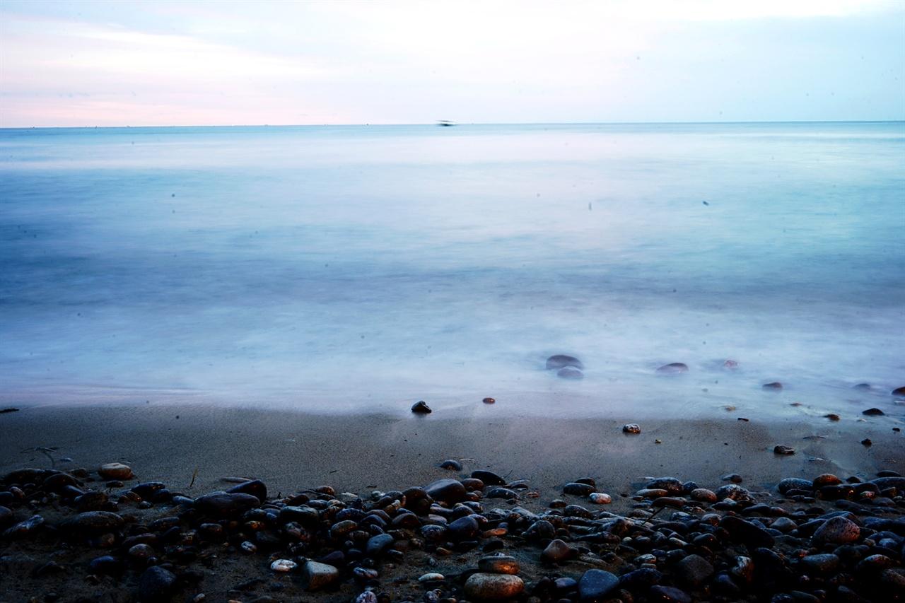 파도소리 들리는 바다 풍경