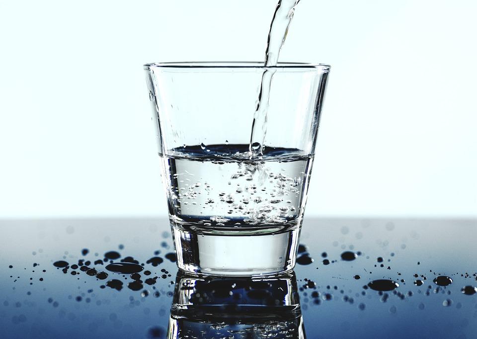 요즘, 물을 너무 많이 마시는 것도 좋지 않다는 이야기가 나오기는 하지만, 우리들 대부분은 물을 너무 안 마시는 쪽에 속한다