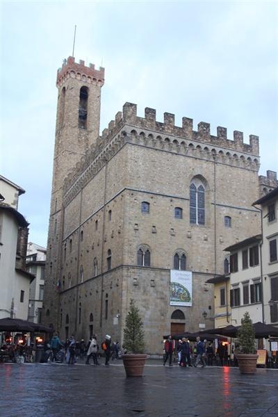 바르젤로 미술관 과거 피렌체의 치안을 담당하던 경찰서와 감옥으로 쓰이다가 미술관으로 바뀌었다.