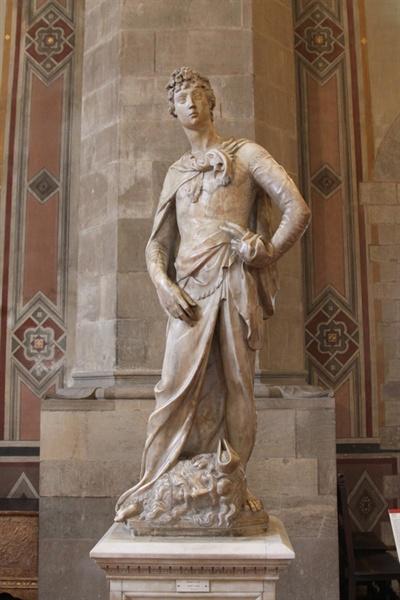 도나텔로의 대리석 다비드상(1408년) 콘트라포스토 자세는 고대 그리스에서부터 조각상에 널리 쓰였다.