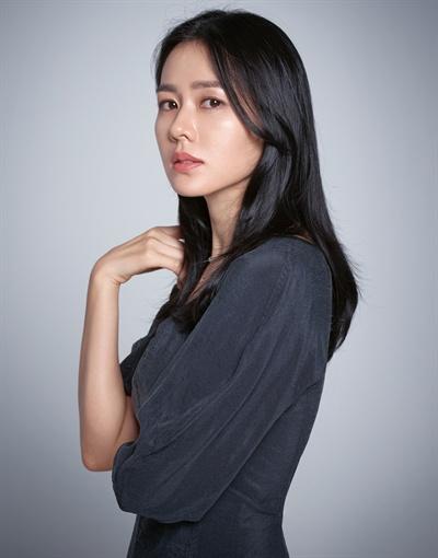 배우 손예진