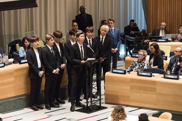 방탄소년단 한국 가수 최초로 유엔 정기총회에서 연설한 방탄소년단
