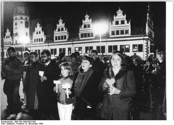 1989년 11월 동독 라이프치히에서 개최되었던 평화시위 장면.