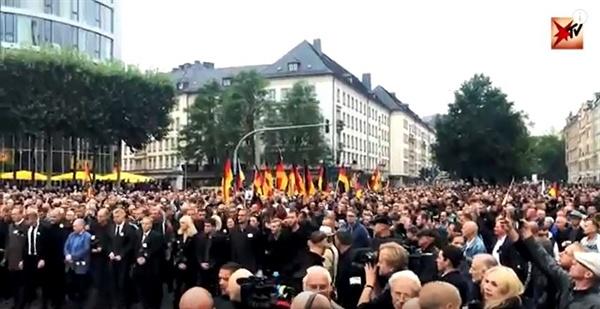 2018년 8월 말, 동독지역의 반난민 시위 장면.