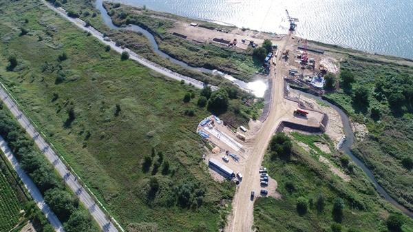 철새도래이자 상수원 보호구역에서 교량공사를 시작한 국토부